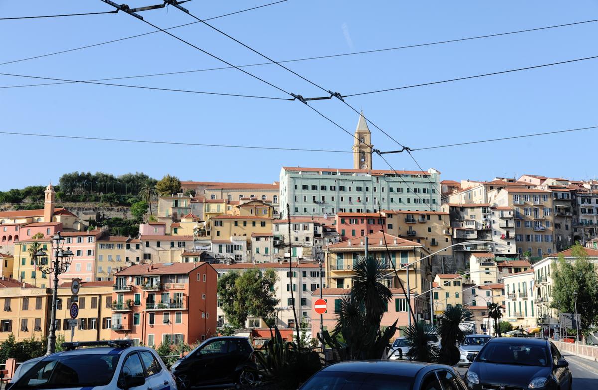 Pas Simple D Etre Solidaire Des Migrants En Italie Reflets Info