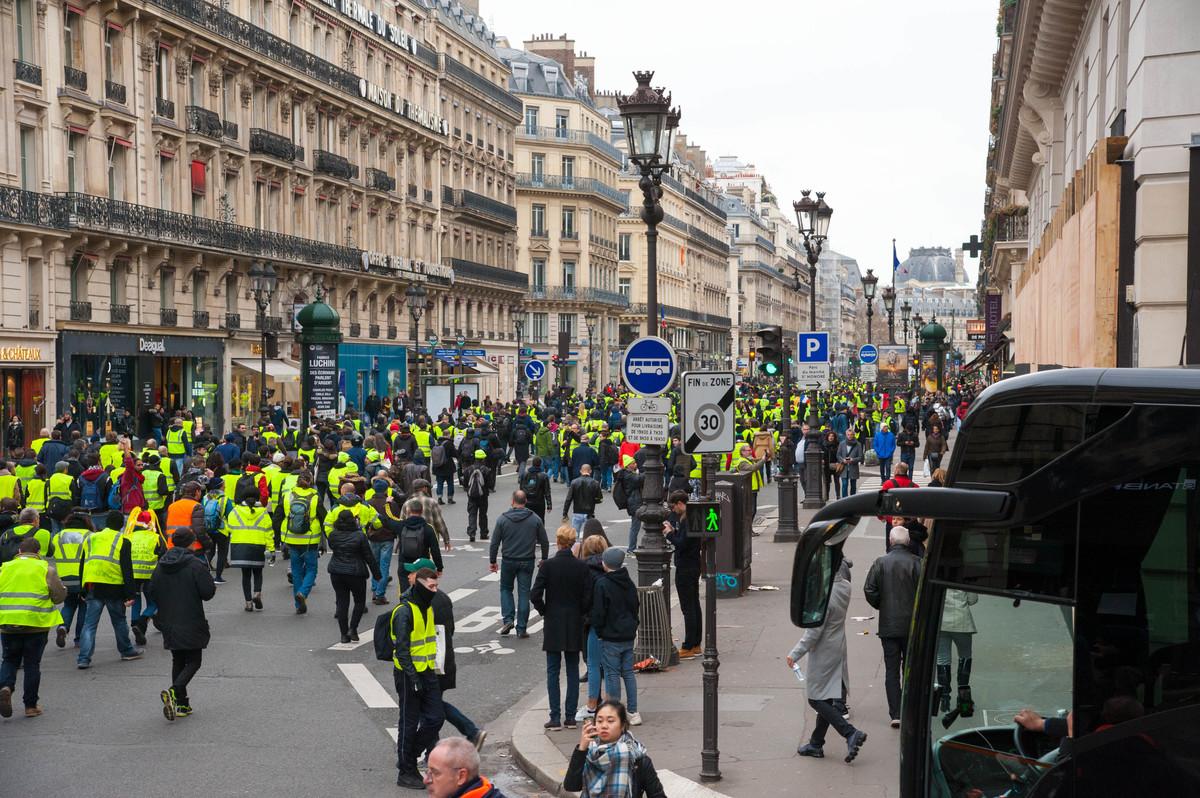Après la Madeleine, le cortège repasse par Opéra puis se dirige vers le Louvre. - © Reflets