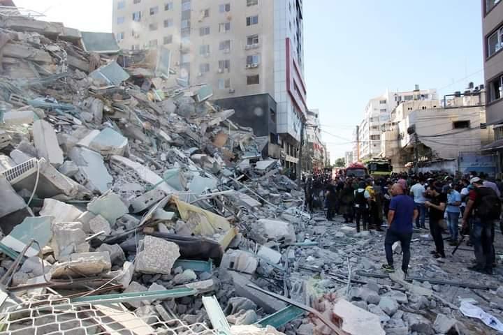 Autre vue de l'immeuble après le bombardement - © Islam Idhair