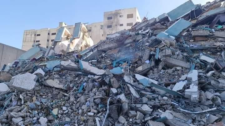 L'immeuble des médias après le bombardement - © Islam Idhair